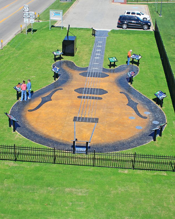 GuitarWalk 2small